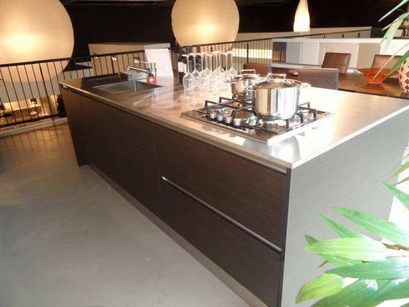 Kastenwand Keuken Showroom : aanbiedingen Greeploze eiland keuken met kastenwand [35507